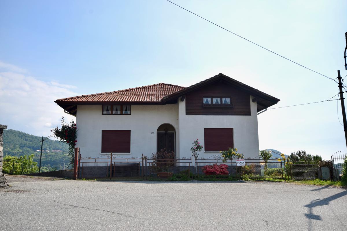 Pralungo via garibaldi casa indipendente in vendita for Piani di casa con garage indipendente e guest house