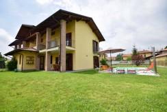Lessona Villa Con Piscina In Vendita