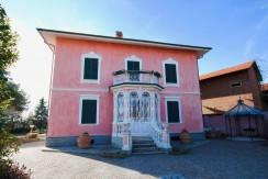 Lessona Via Roma Villa Indipendente In Vendita