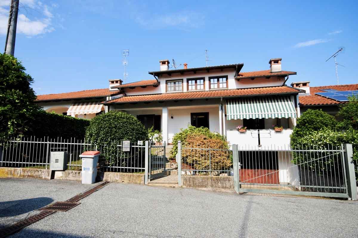 Vigliano Biellese Via Rivetti Villa In Vendita