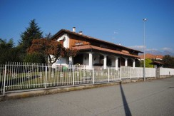 Ponderano Villa Indipendente in Vendita