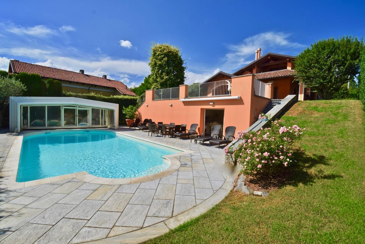 Cossato Villa Con Piscina In Vendita