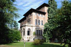 Biella  Appartamento in Affitto in villa d' epoca