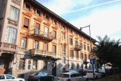Biella Viale C. Battisti Alloggio ultimo piano in vendita